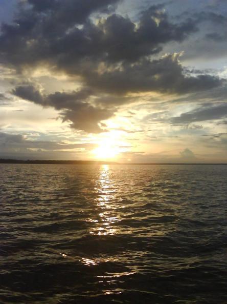 sunset di teluk bintuni